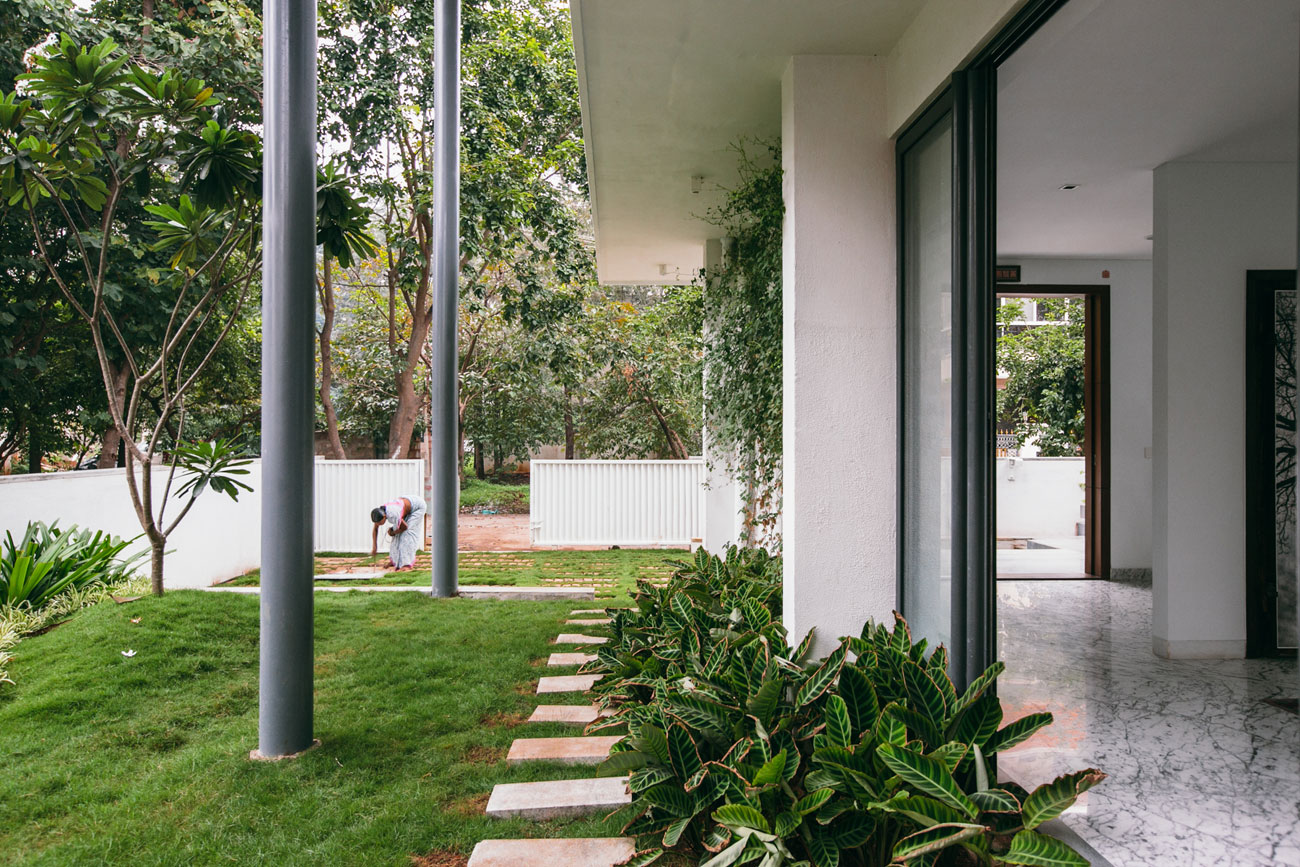 The Courtyard House near Bangalore by Abin Design Studio-02