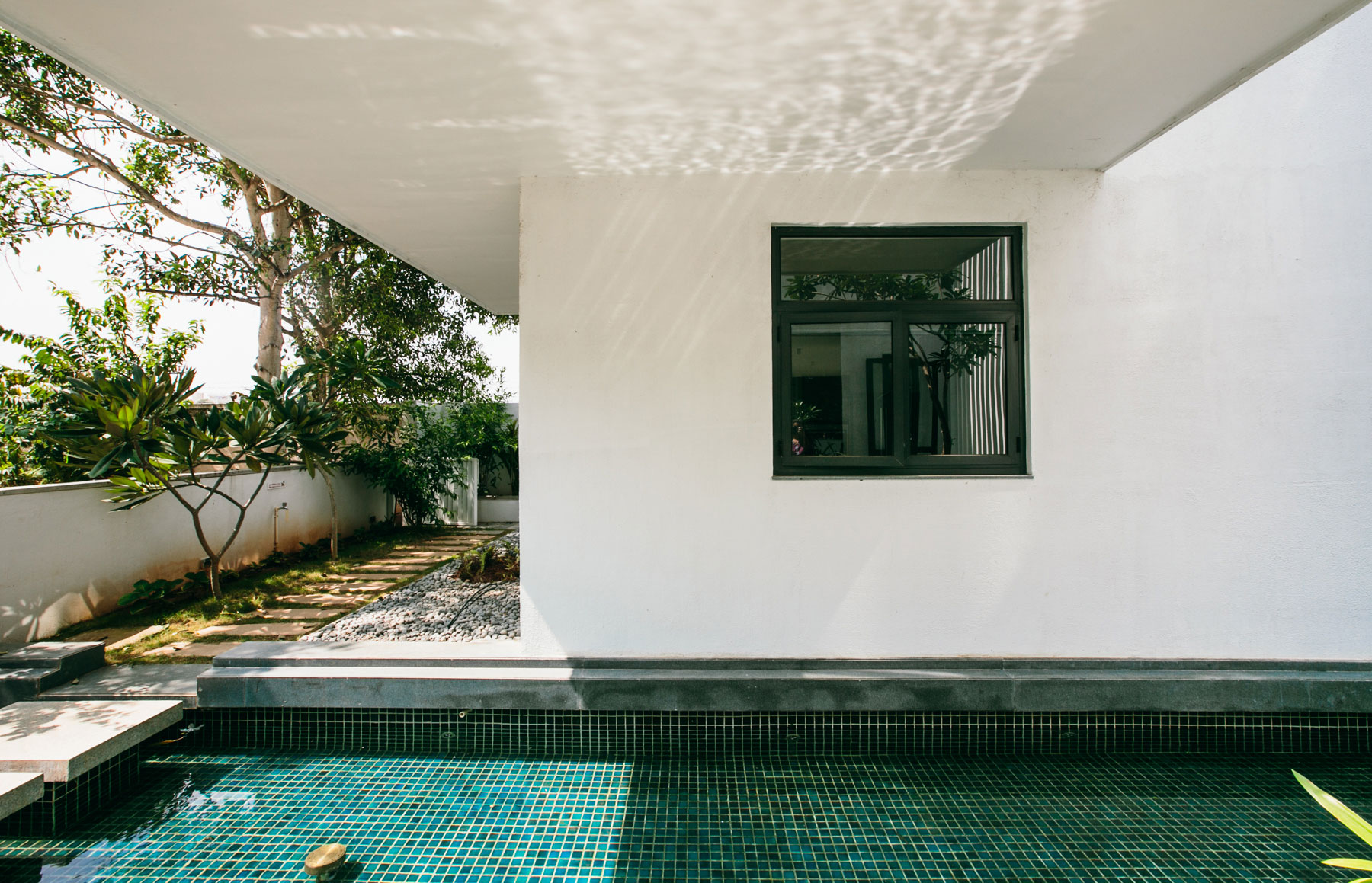 The Courtyard House near Bangalore by Abin Design Studio-04