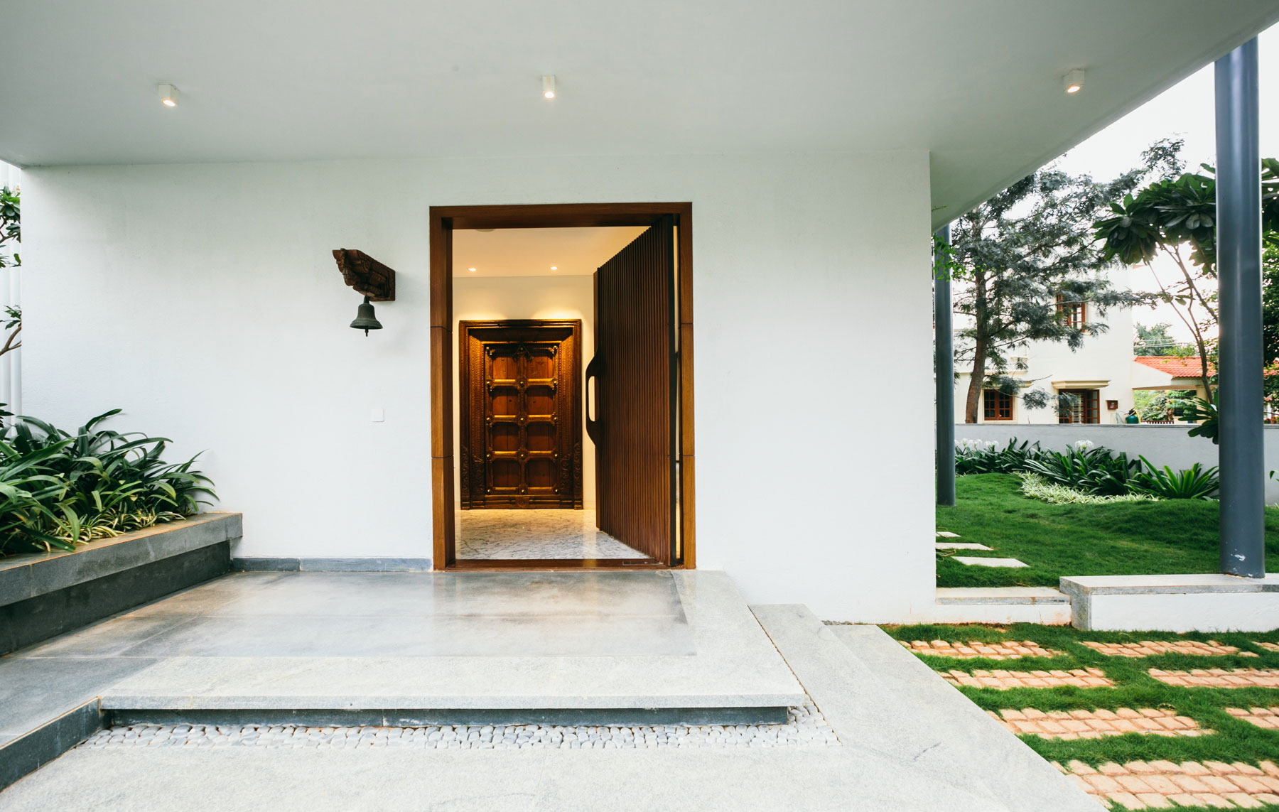 The Courtyard House near Bangalore by Abin Design Studio-09