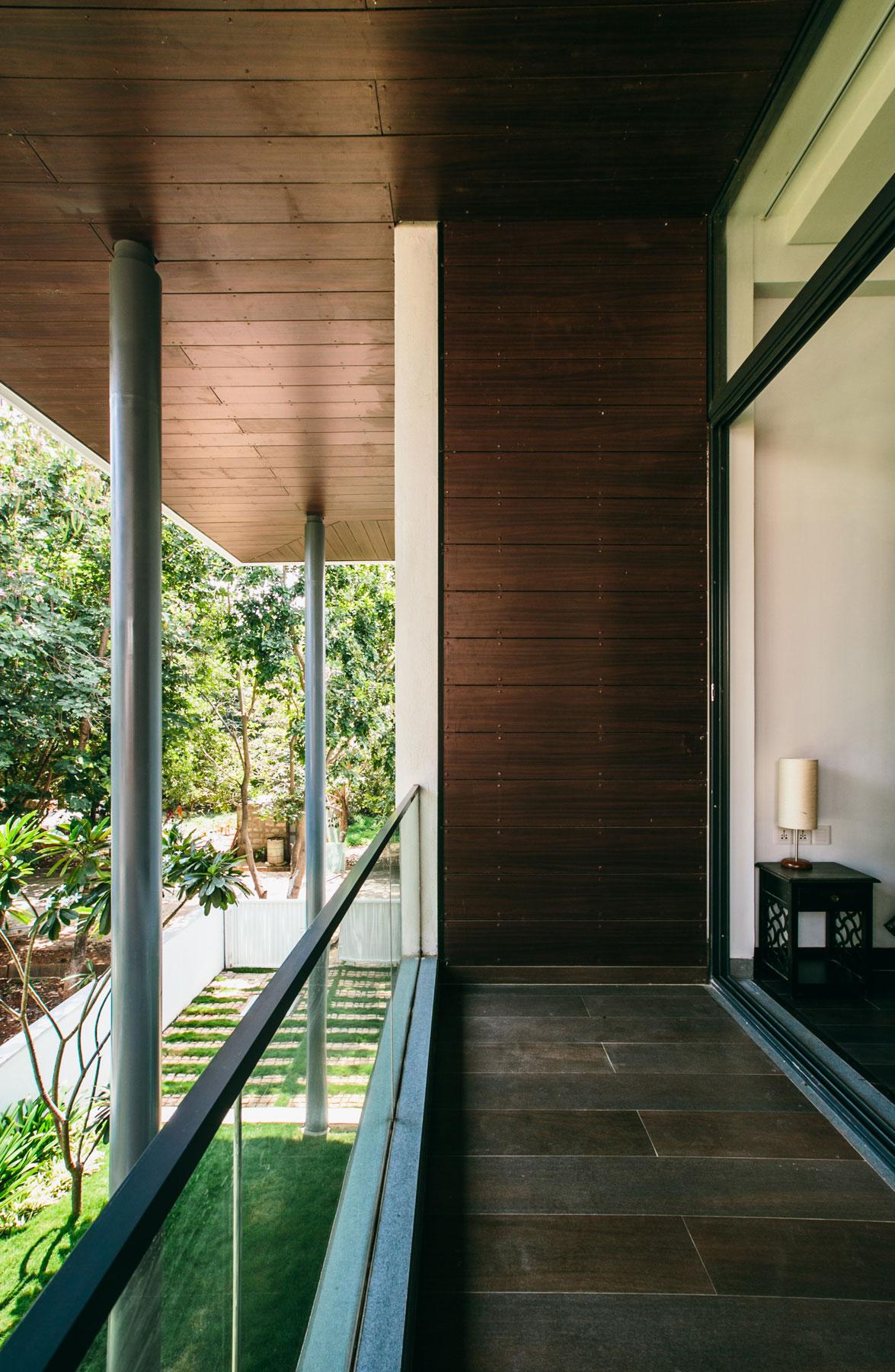 The Courtyard House near Bangalore by Abin Design Studio-23