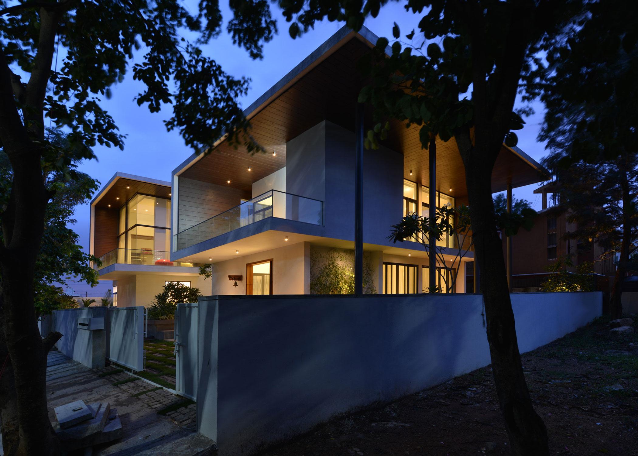 The Courtyard House near Bangalore by Abin Design Studio-27