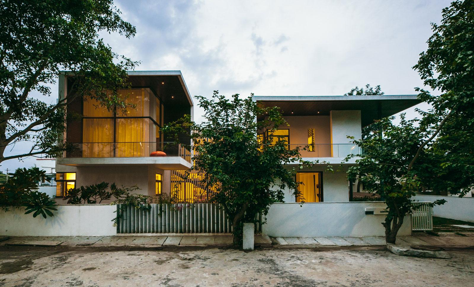 The Courtyard House near Bangalore by Abin Design Studio-28
