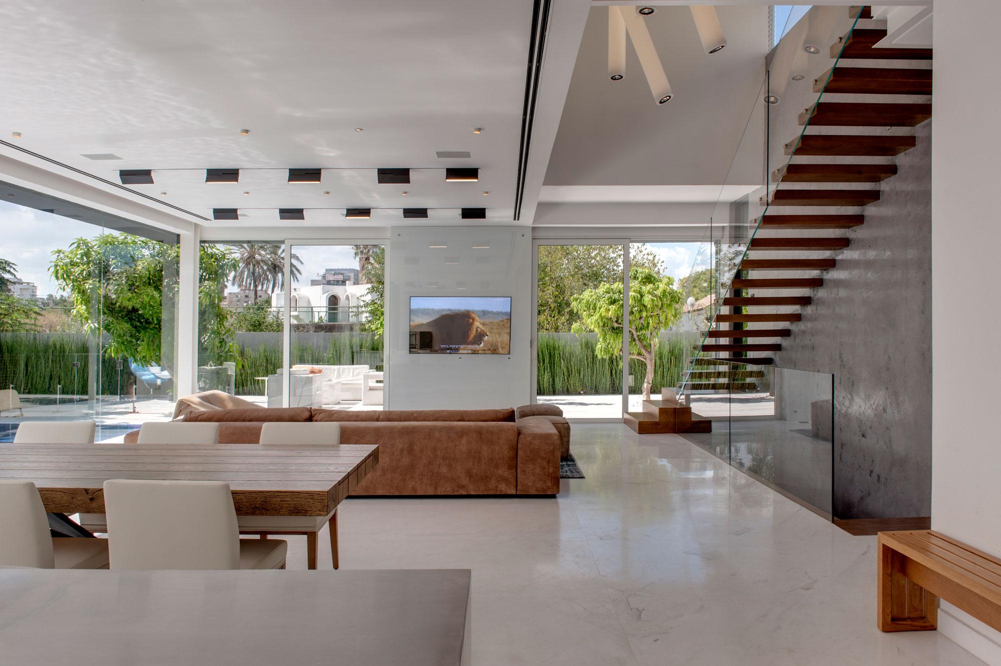 The Hidden Home in Tel Aviv by Israelevitz Architects-07