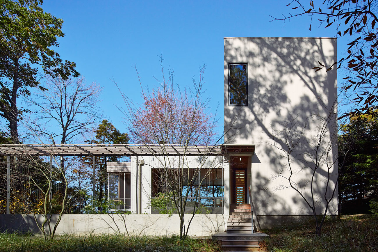Tranquility and Simplicity Core Elements of Suns End Retreat in Harbert Michigan by Wheeler Kearns Architects-02