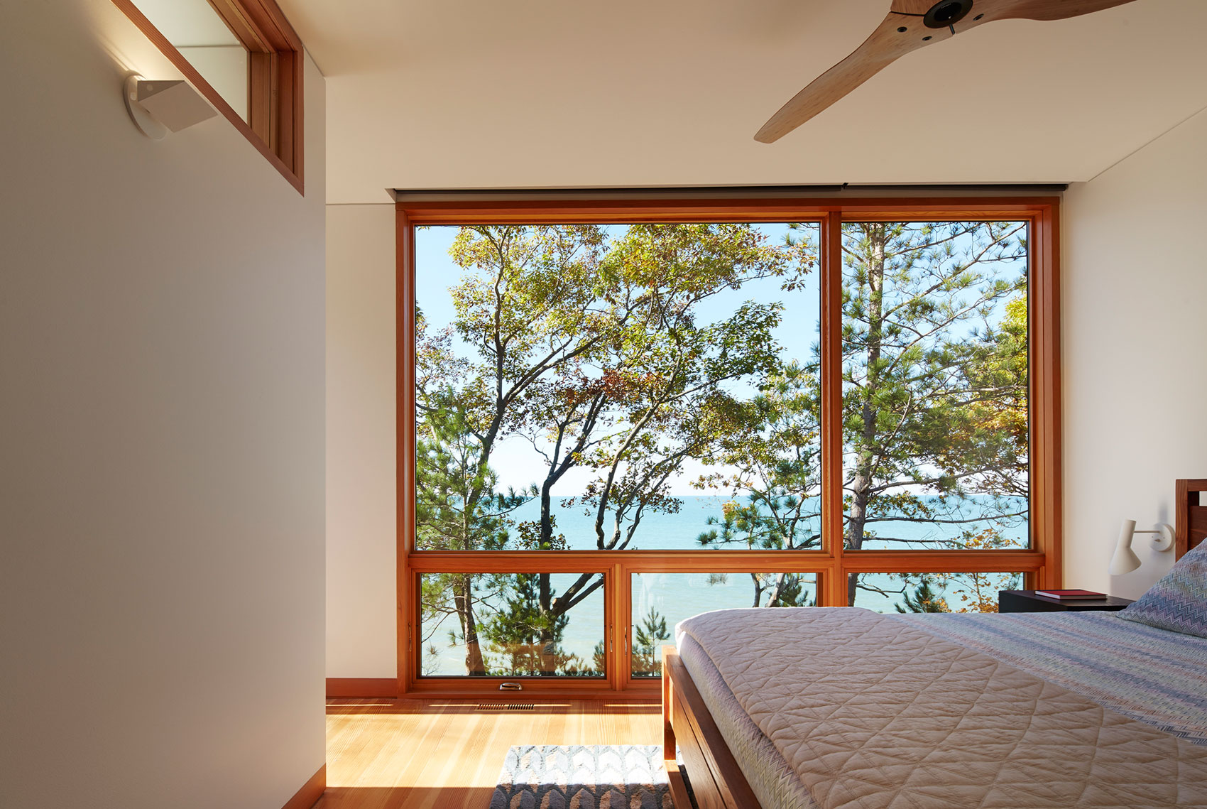 Tranquility and Simplicity Core Elements of Suns End Retreat in Harbert Michigan by Wheeler Kearns Architects-21
