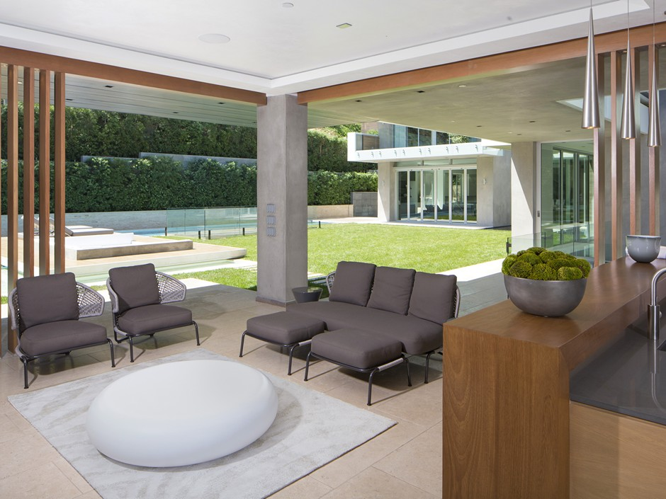 Ultramodern Masterpiece Home on Sunset Strip with Automated Wine Rack-10