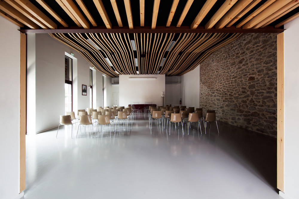 Wedding room and Town Hall square of Jacou by NBJ architectes-02
