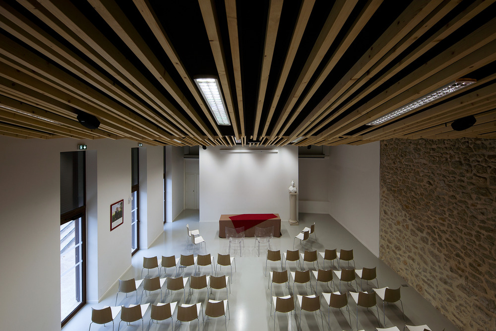 Wedding room and Town Hall square of Jacou by NBJ architectes-05
