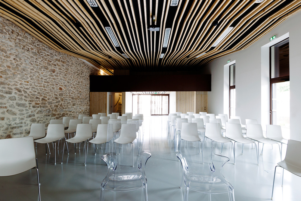 Wedding room and Town Hall square of Jacou by NBJ architectes-06