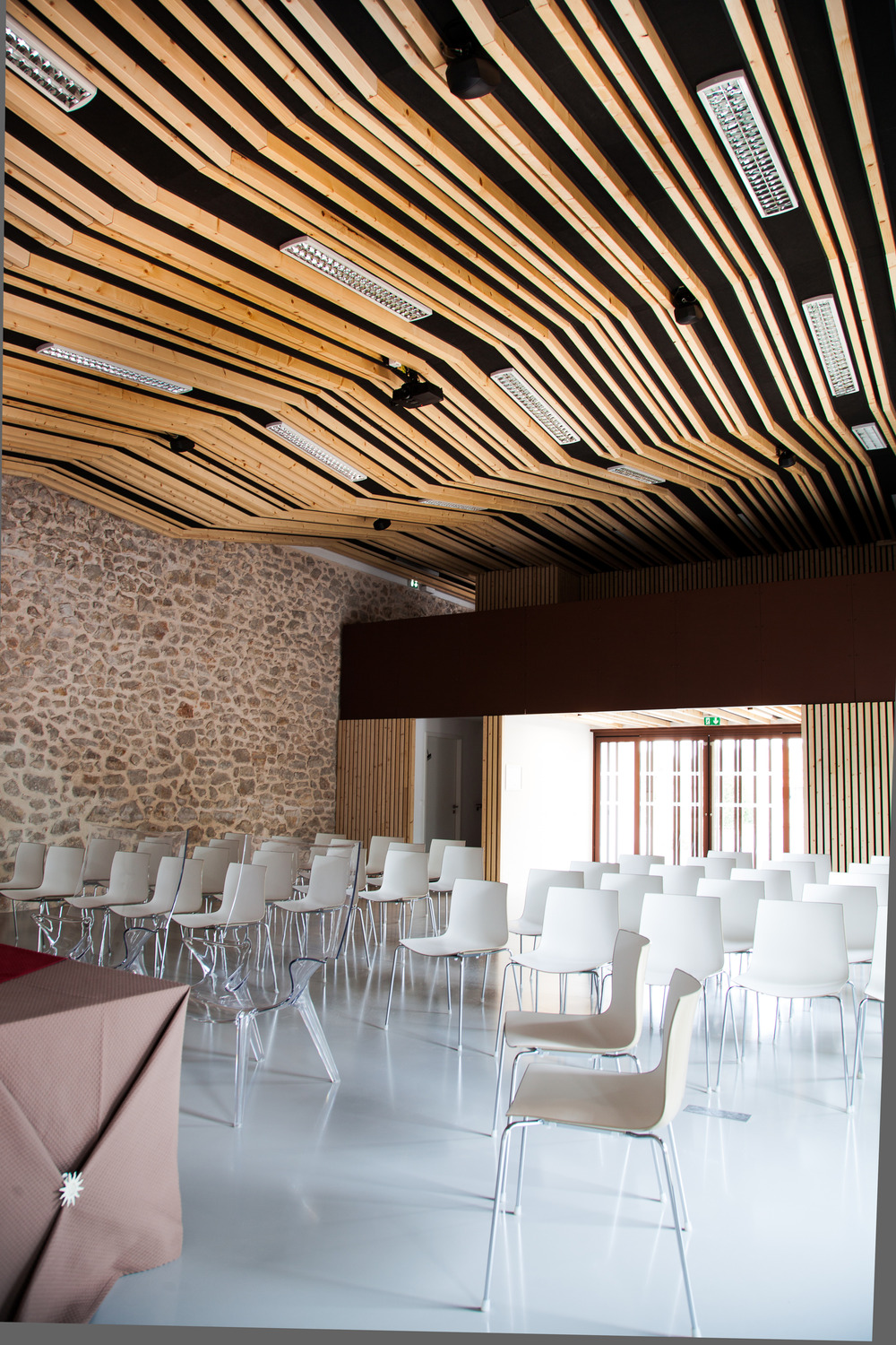 Wedding room and Town Hall square of Jacou by NBJ architectes-08