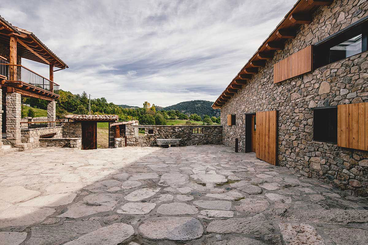 Wood Warmth House Rehabilitation in La Cerdanya by Dom Arquitectura-01