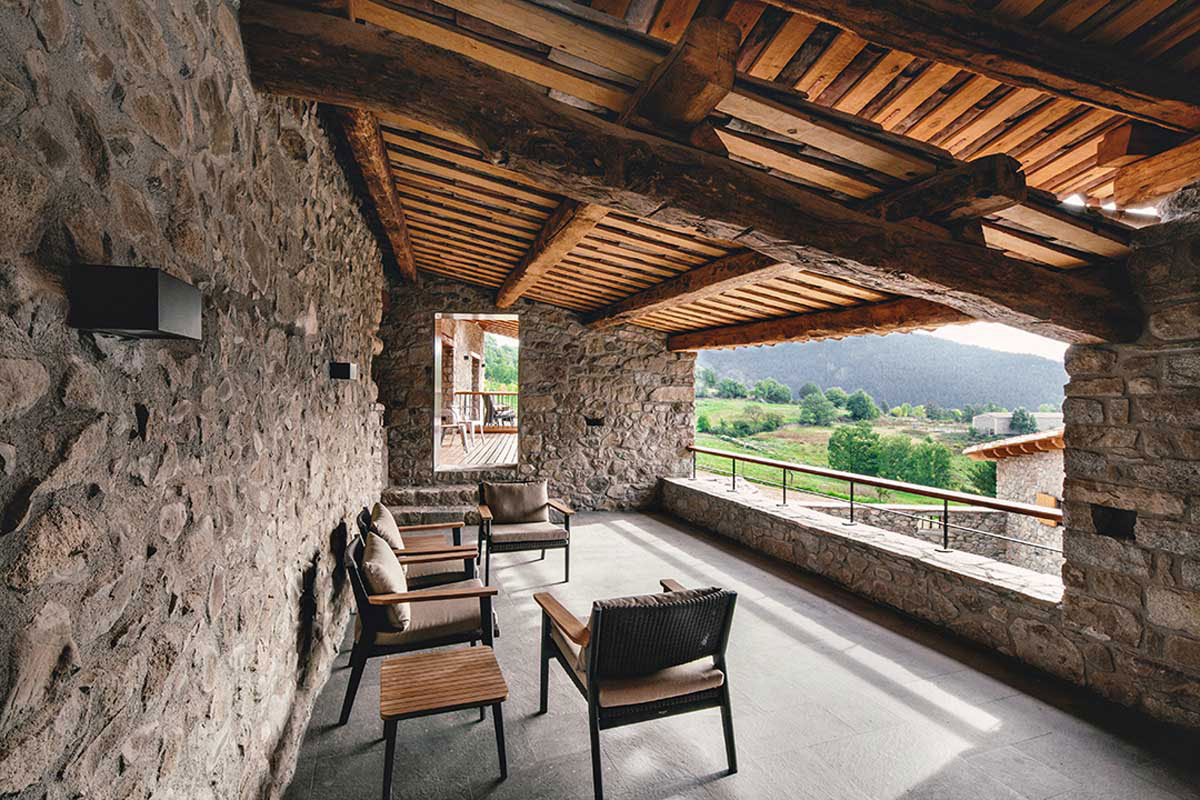 Wood Warmth House Rehabilitation in La Cerdanya by Dom Arquitectura-02
