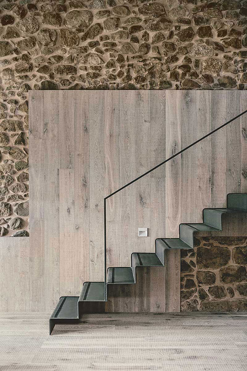 Wood Warmth House Rehabilitation in La Cerdanya by Dom Arquitectura-09