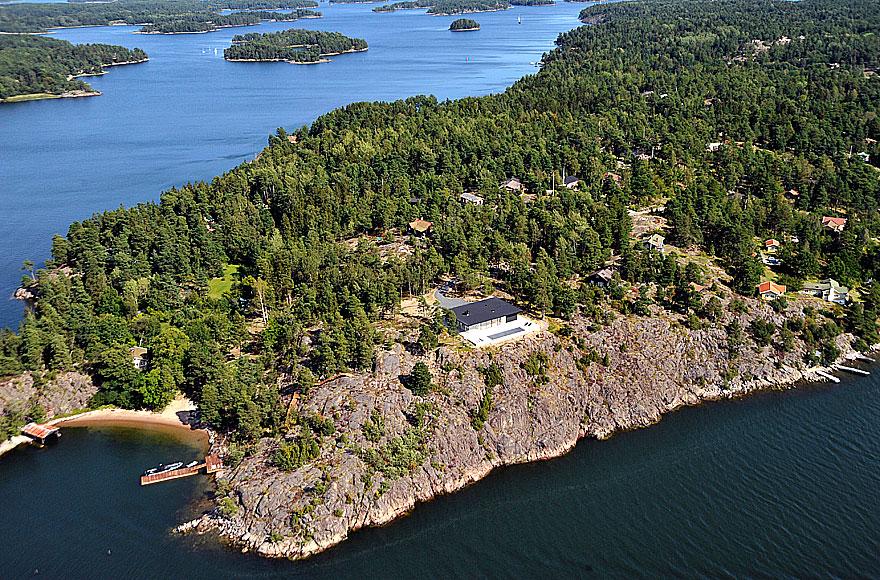 Överby Lake House near Stockholm by John Robert Nilsson Arkitektkontor-10