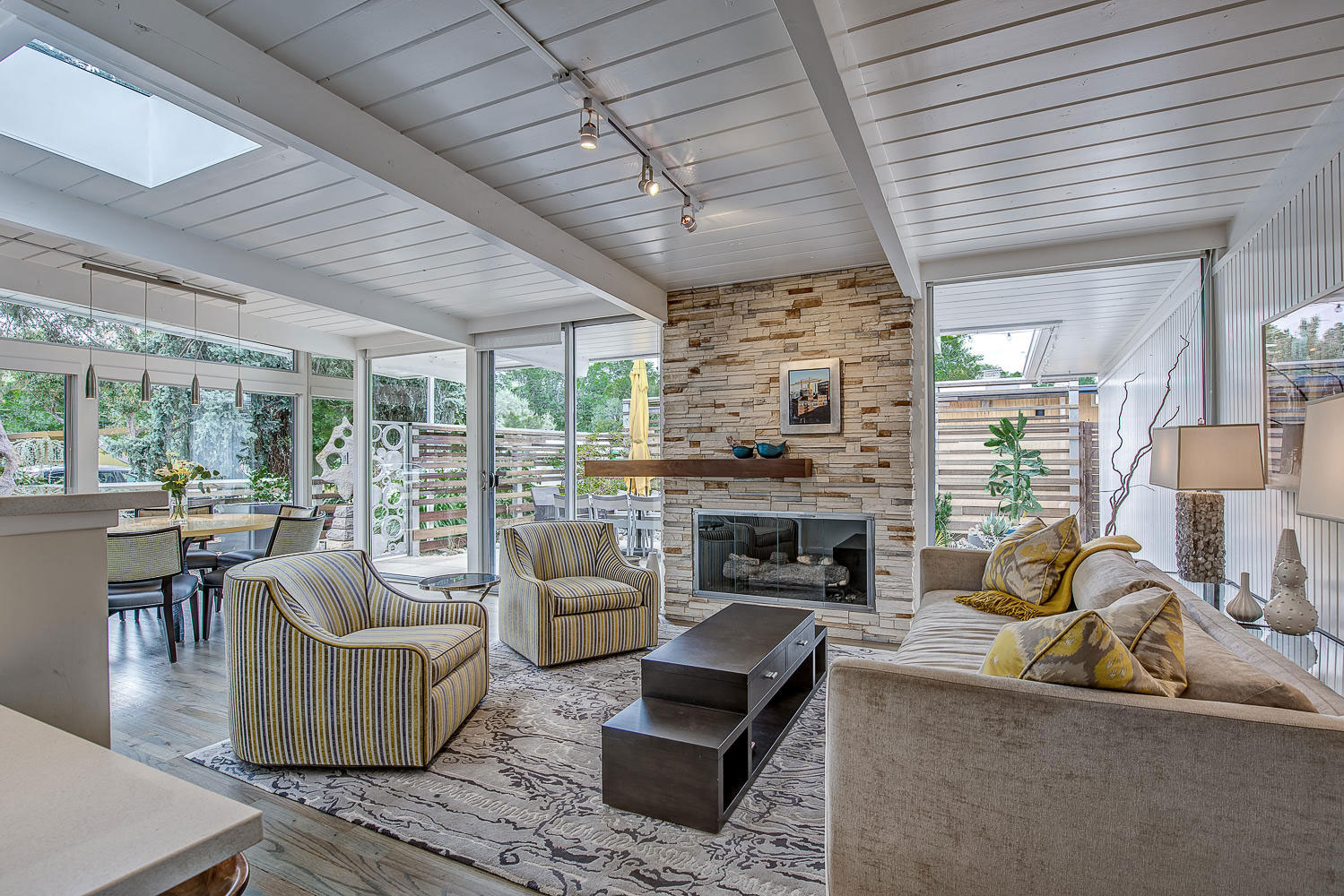 1317 South Fairfax Street Home Converted into Contemporary Residence by Lovedy Barbatelli-14