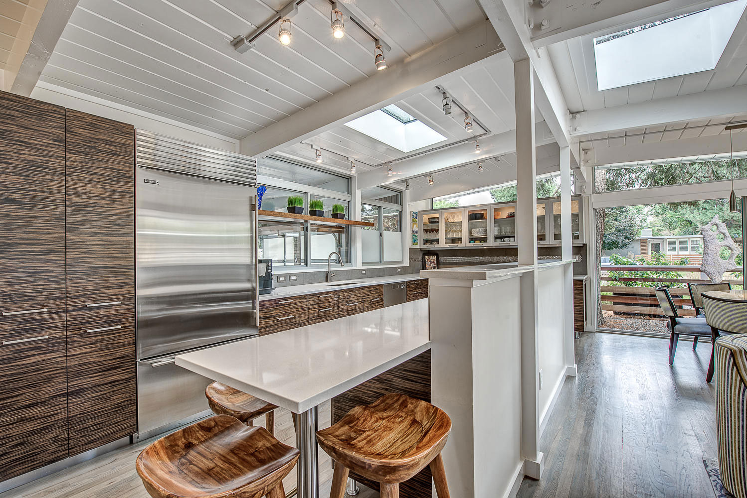 1317 South Fairfax Street Home Converted into Contemporary Residence by Lovedy Barbatelli-16