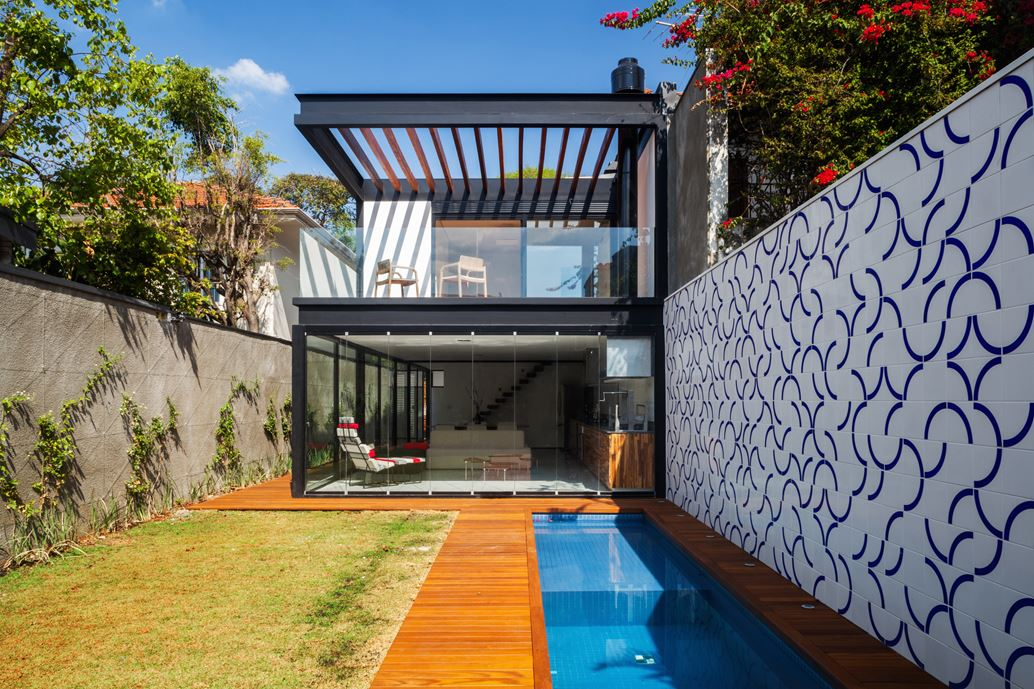 7x37 House in Sao Paulo by CR2 Arquitetura-01