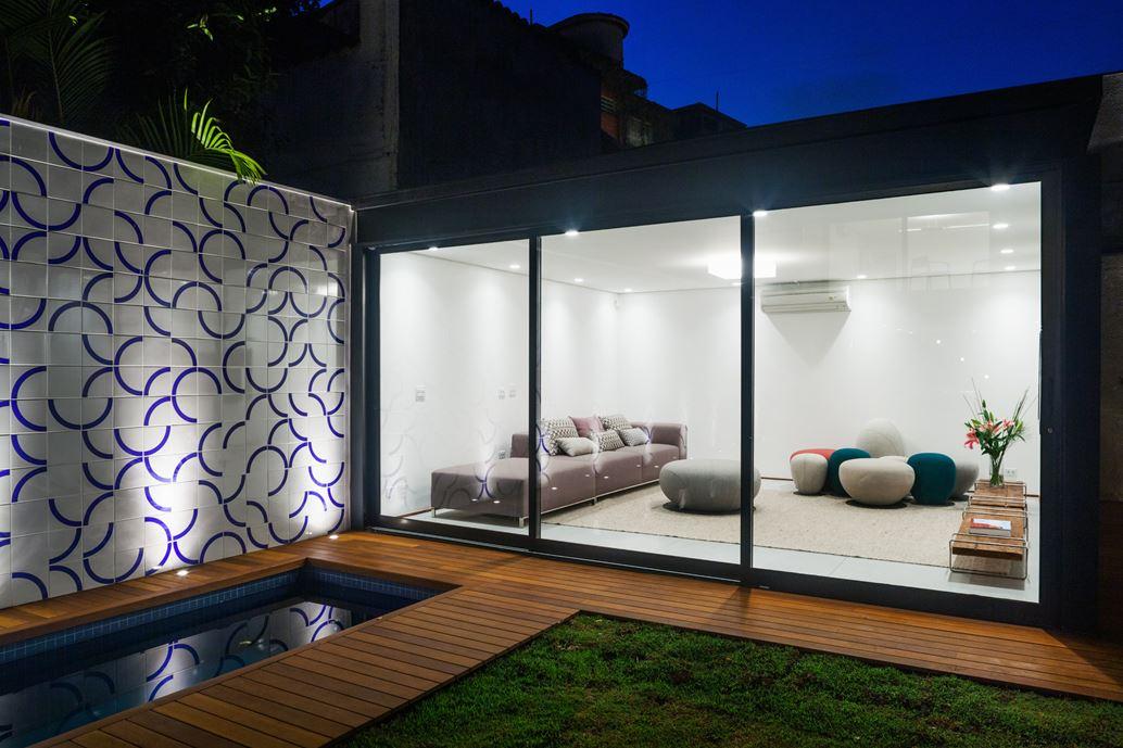7x37 House in Sao Paulo by CR2 Arquitetura-19