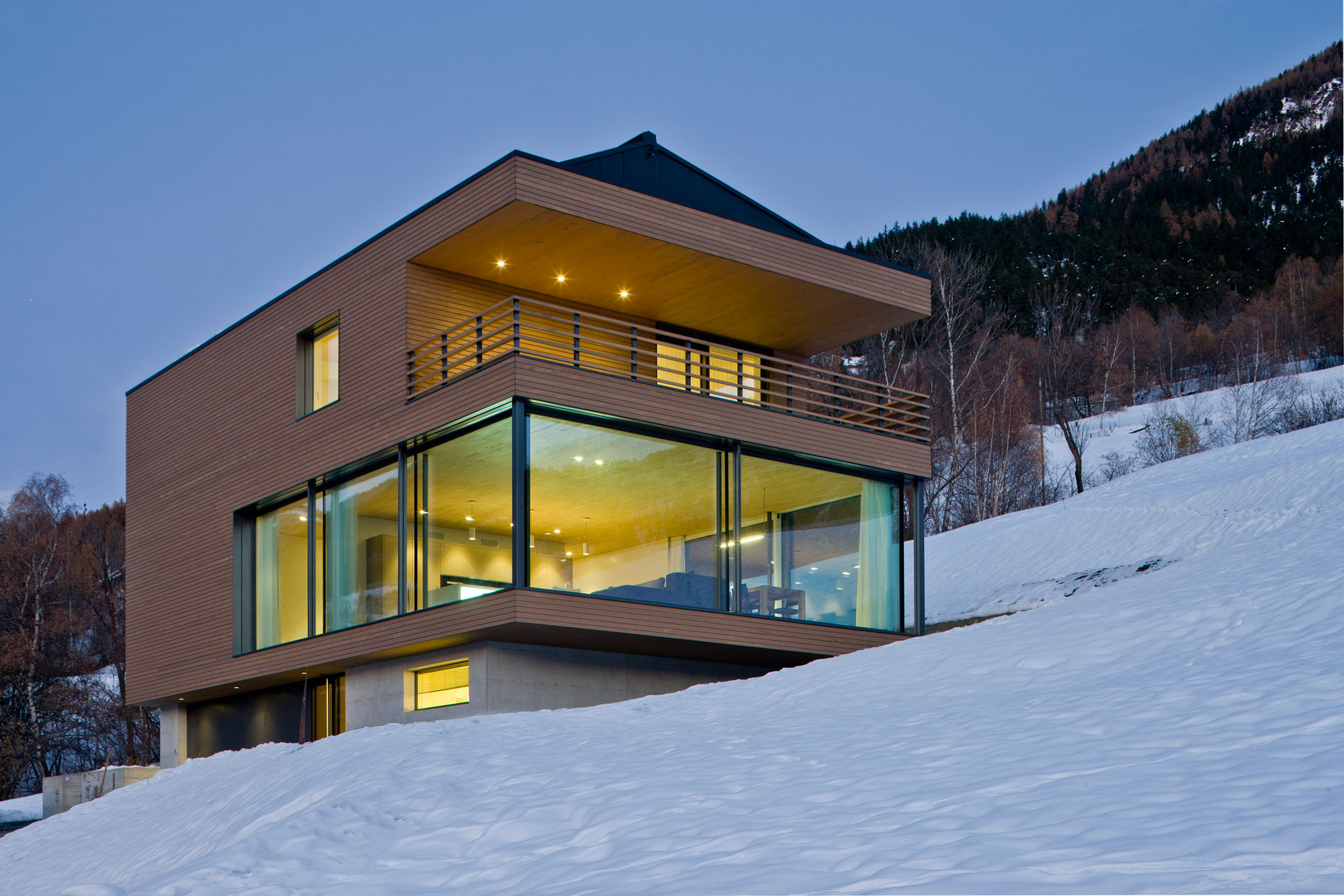 A HI-MACS House In Termen by Zeiter Berchtold-21