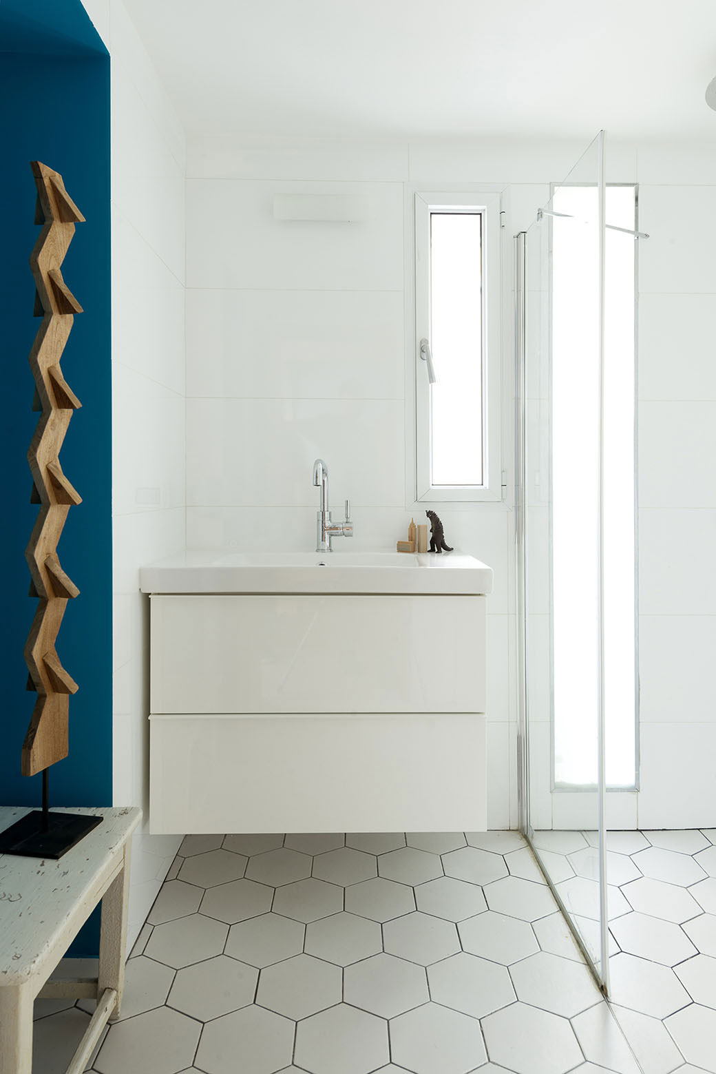 Adjusting a Mish-Mash of Small Rooms and Corridors into Jaffa Garden Apartment by Itai Palti-11