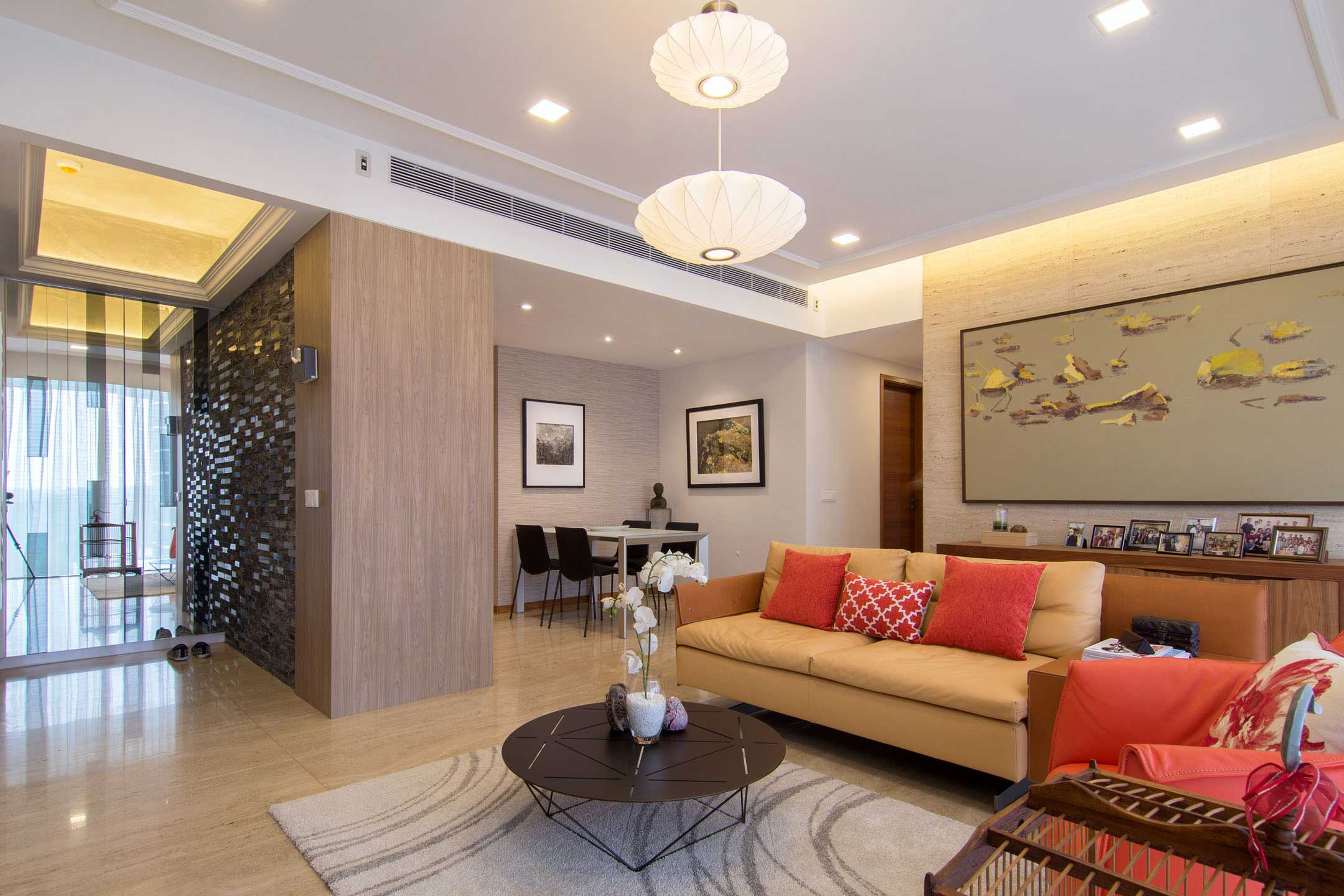 Apartment designed for an art lover in Singapore by KNQ Associates-04