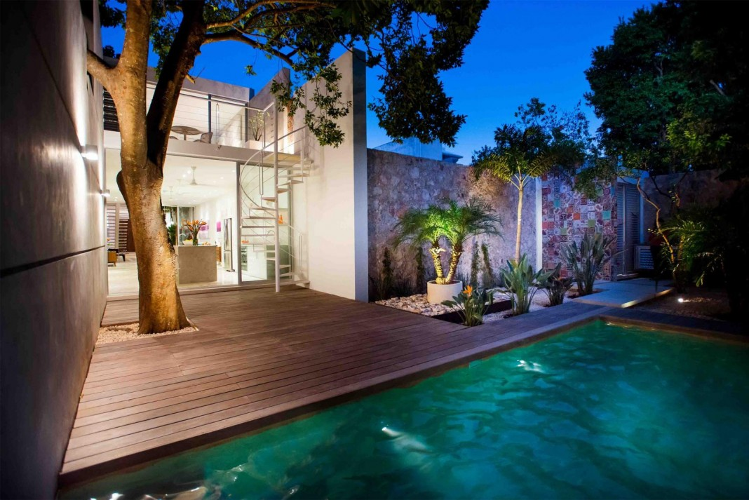 B+H 45 residence in the historic centre of the city of Merida by H. Ponce arquitectos