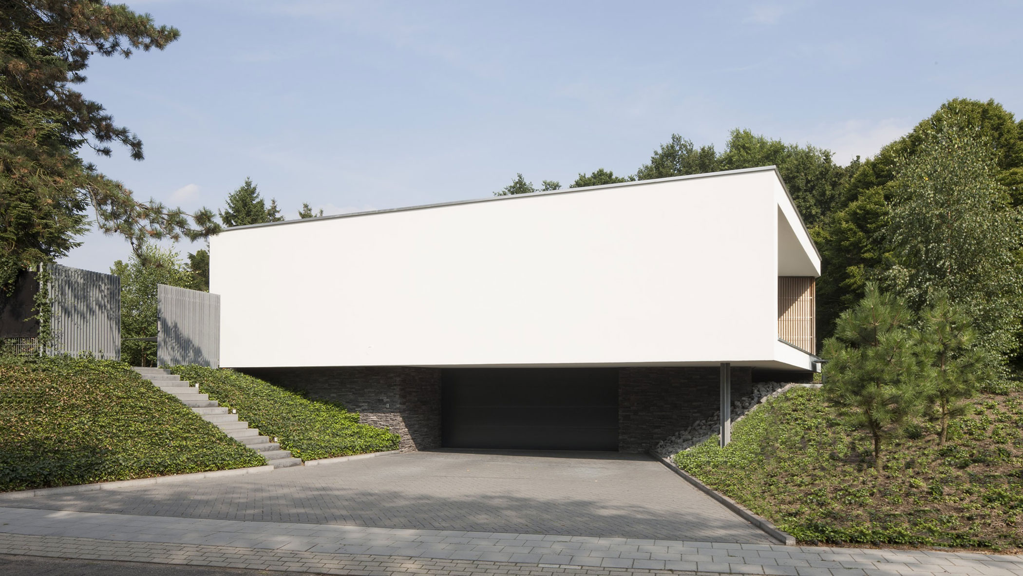 Boxed Villa Spee Haelen with Panoramic Windows by Lab32 architecten-03