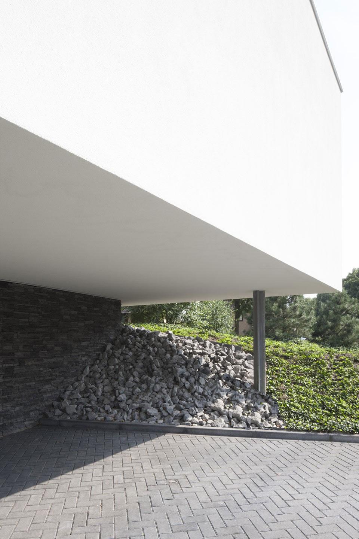 Boxed Villa Spee Haelen with Panoramic Windows by Lab32 architecten-04