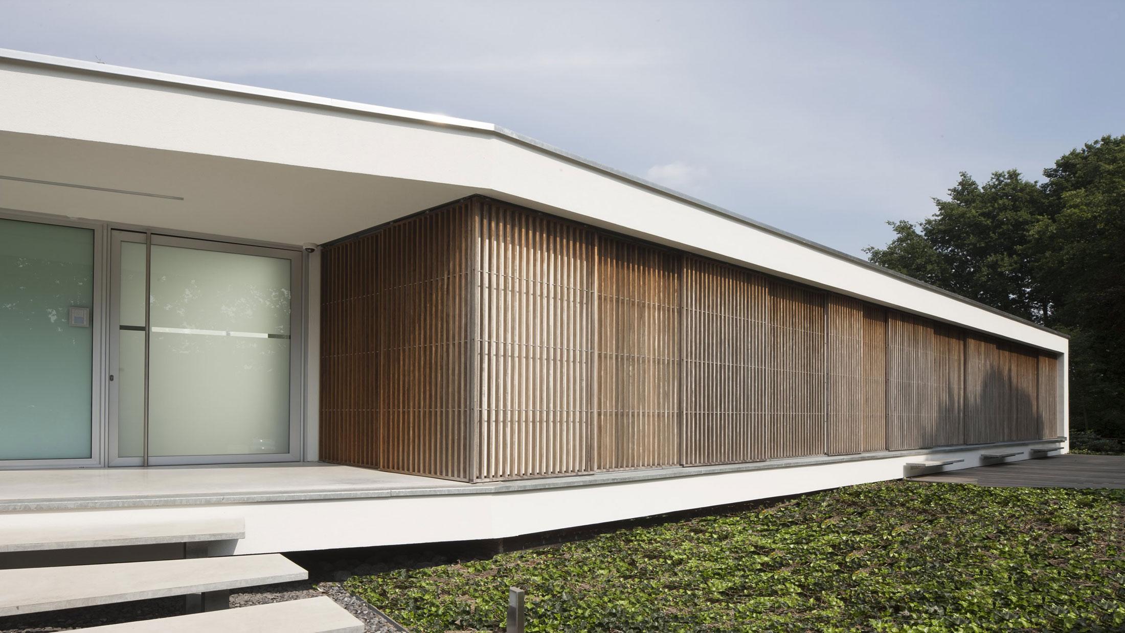 Boxed Villa Spee Haelen with Panoramic Windows by Lab32 architecten-07