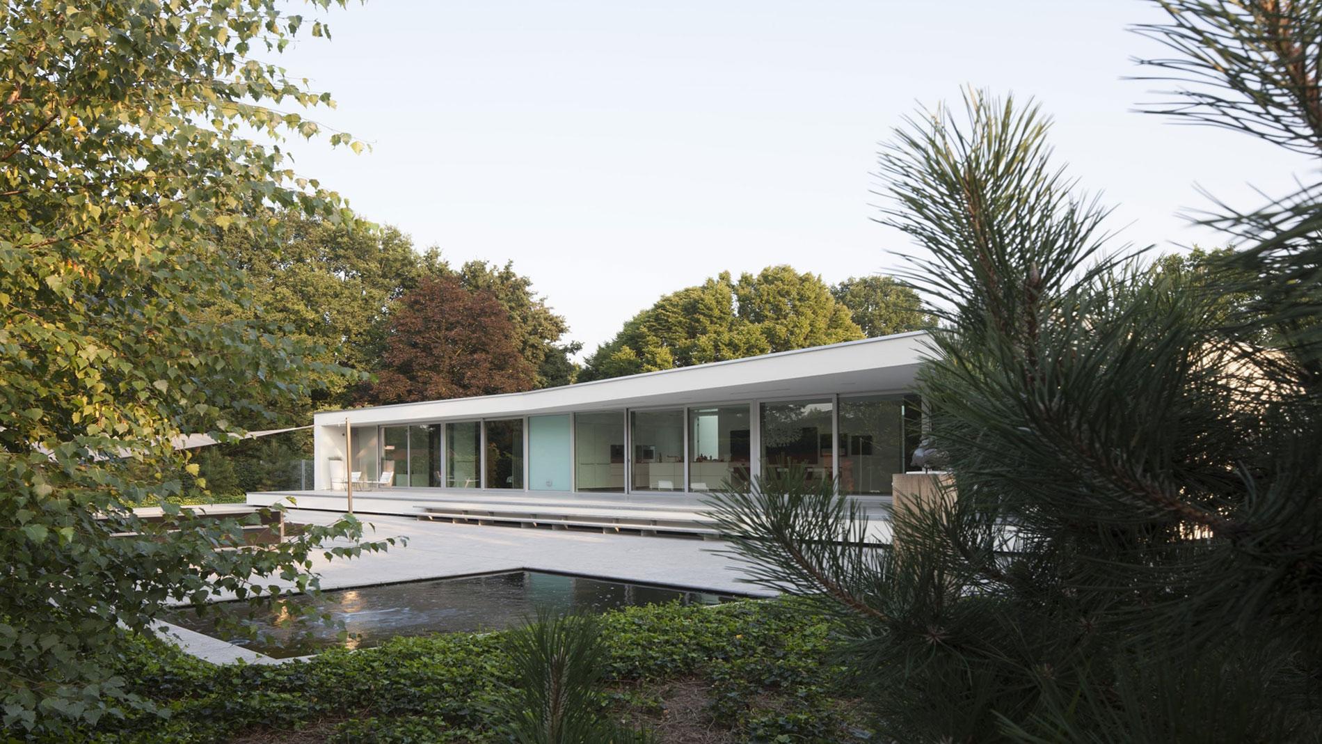 Boxed Villa Spee Haelen with Panoramic Windows by Lab32 architecten-10