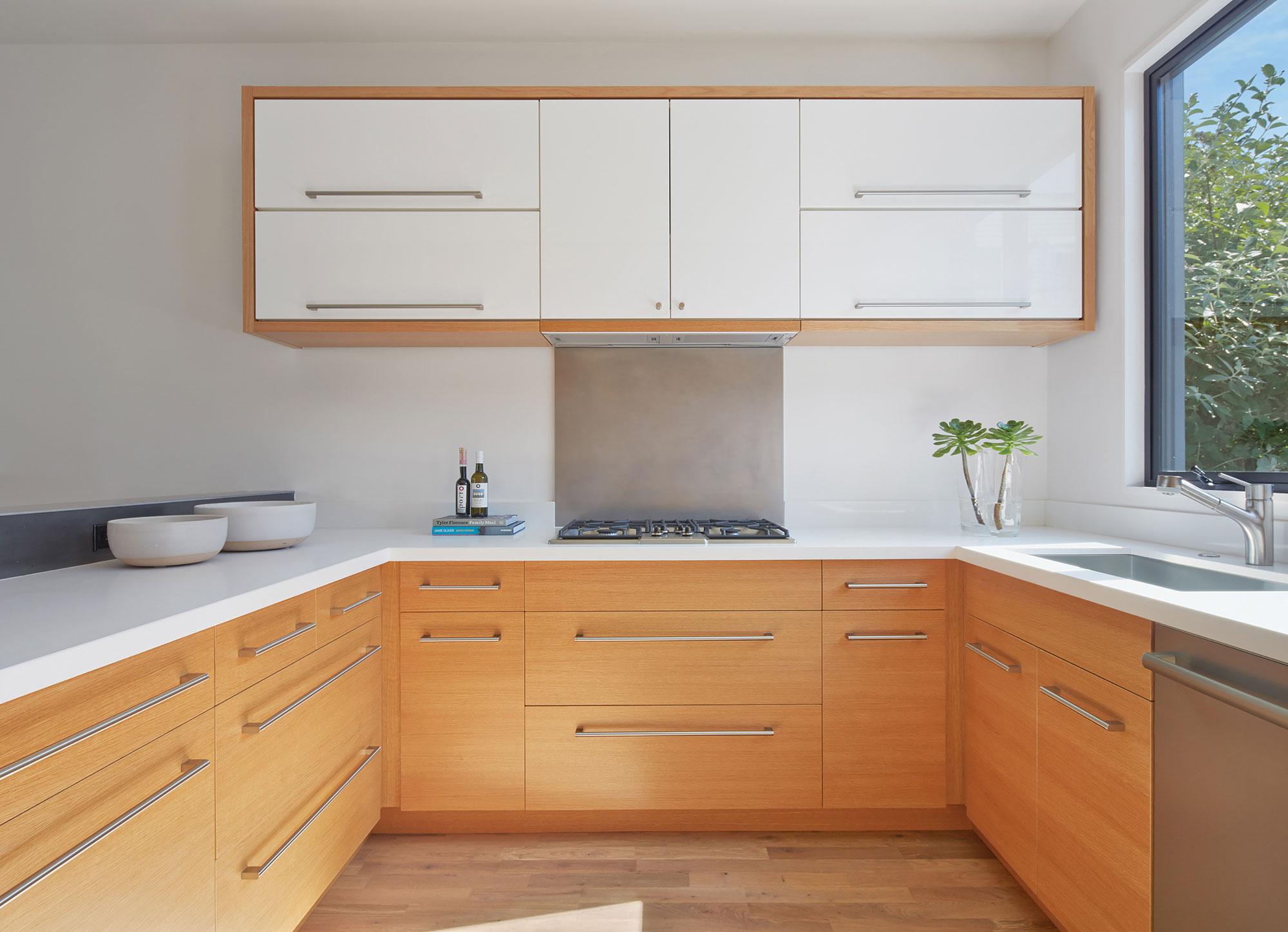 Bright and Elegant Interior Design of Steelhouse 1 plus 2 by Zack de Vito Architecture-05