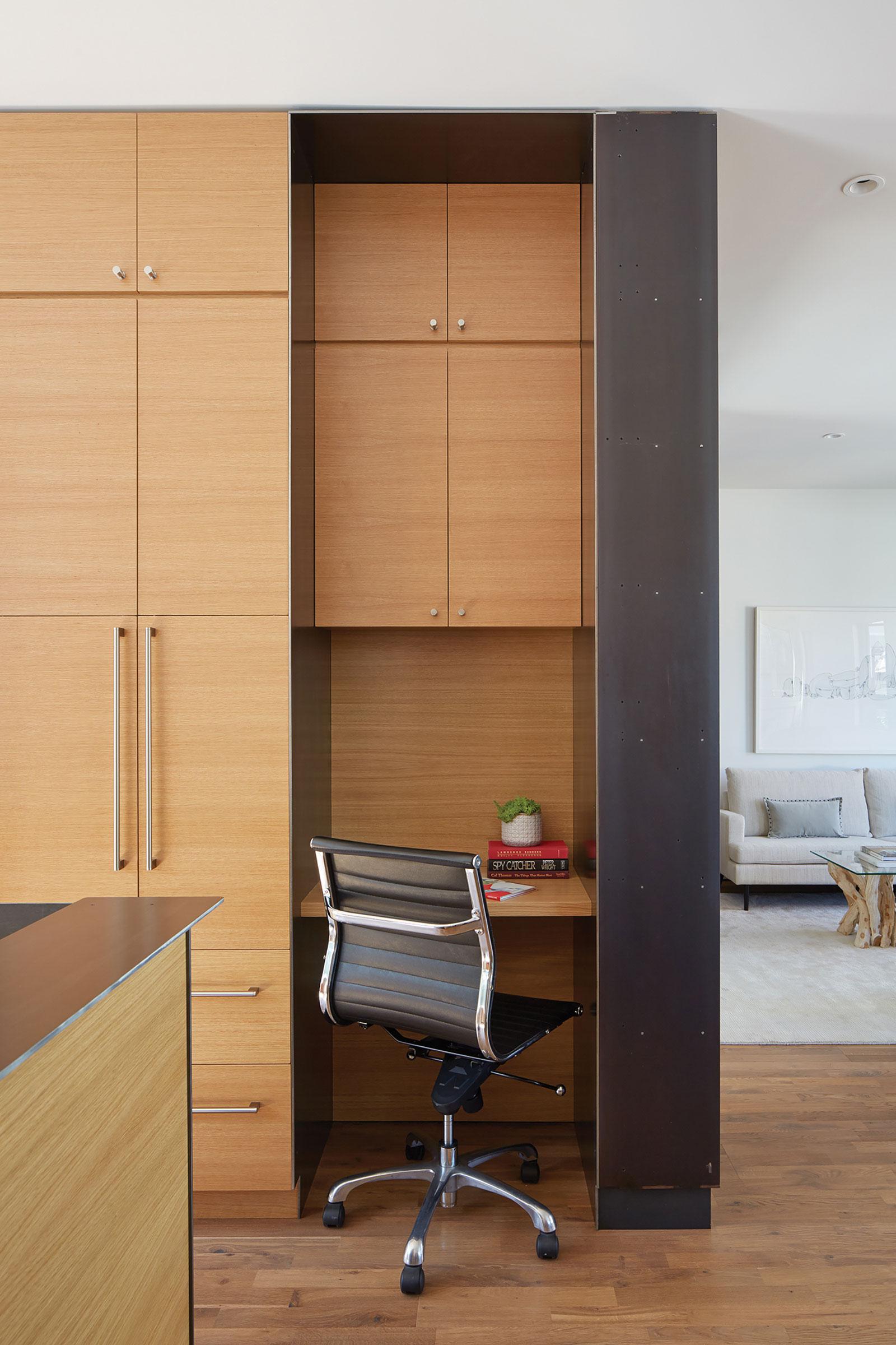 Bright and Elegant Interior Design of Steelhouse 1 plus 2 by Zack de Vito Architecture-10