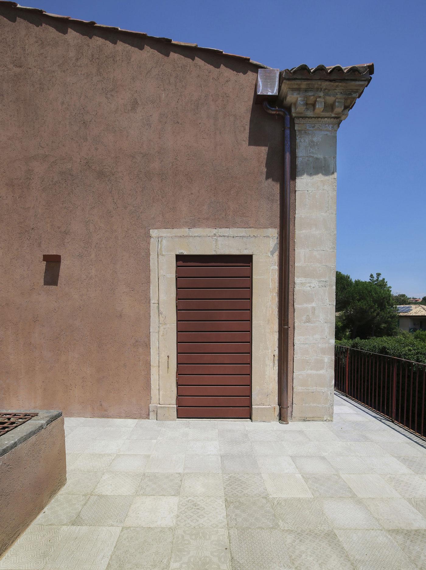 CRV House in Viagrande by ACA Amore Campione Architettura-17