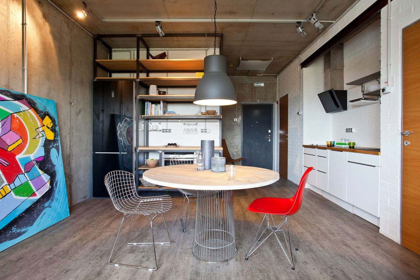 Concrete Wall Apartment in Krasnogorsk by Studio Odnushechka-05