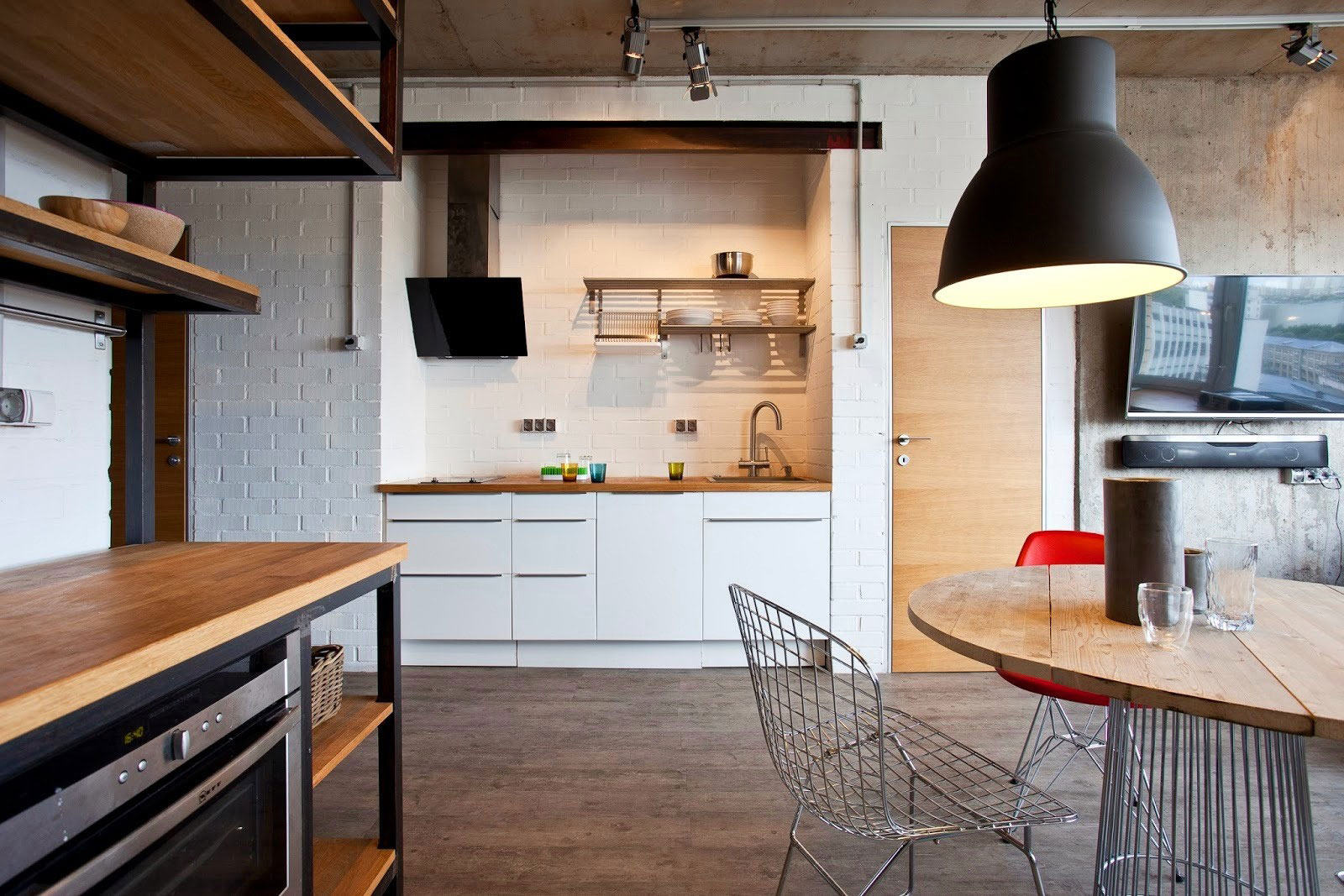 Concrete Wall Apartment in Krasnogorsk by Studio Odnushechka-07