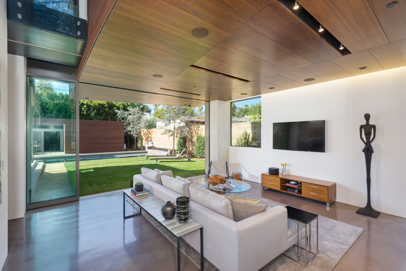 Contemporary Santa Monica Home by Kovac Design Studio-09
