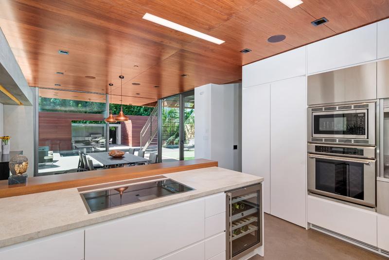 Contemporary Santa Monica Home by Kovac Design Studio-14