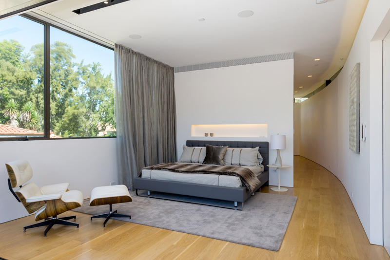 Contemporary Santa Monica Home by Kovac Design Studio-21
