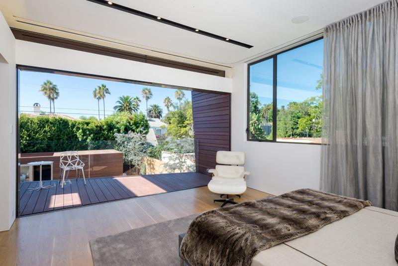 Contemporary Santa Monica Home by Kovac Design Studio-23