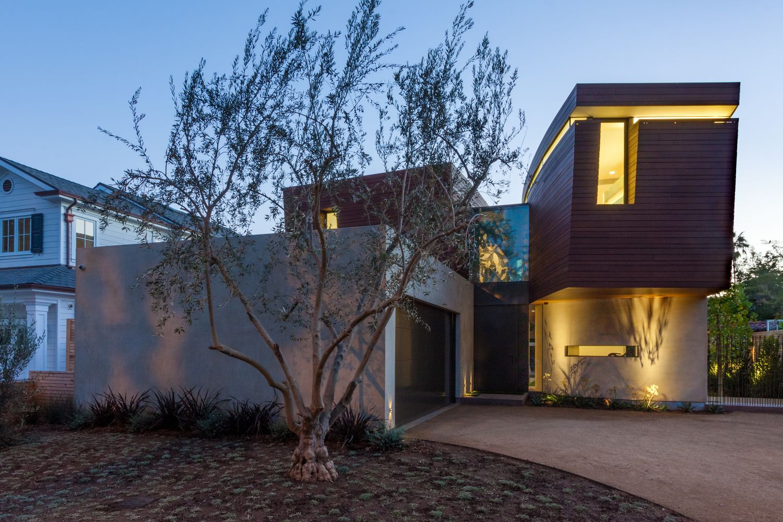 Contemporary Santa Monica Home by Kovac Design Studio-32
