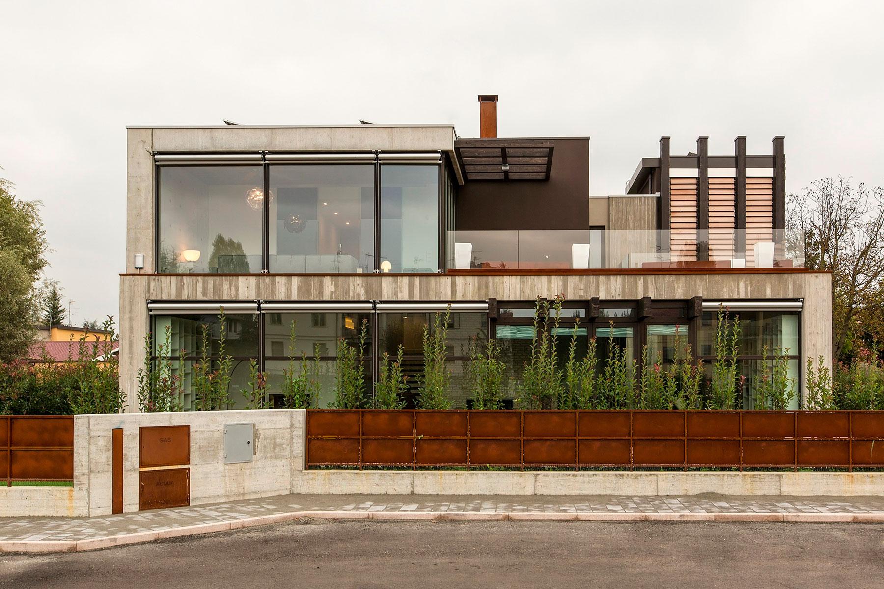 D'Autore Residence near Bologna by Giraldi Associati Architetti-01