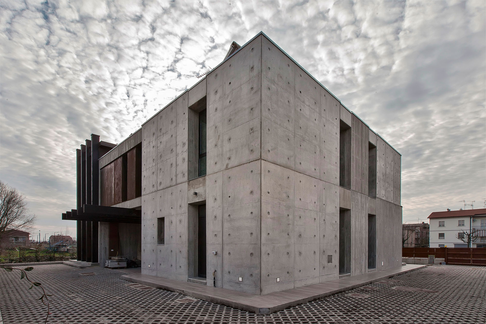 D'Autore Residence near Bologna by Giraldi Associati Architetti-02