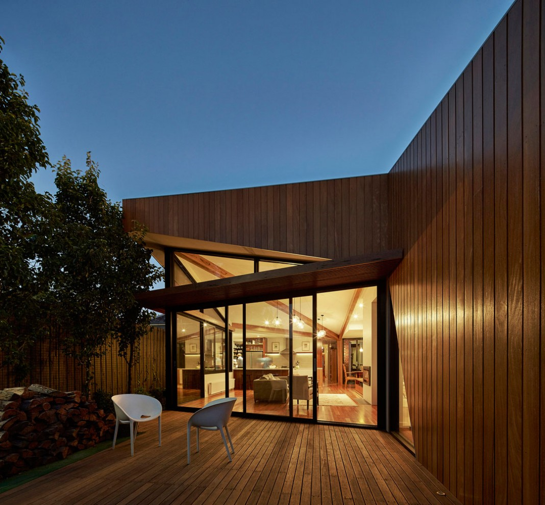 Diagonal House in Fitzroy by Simon Whibley Architecture & Antarctica