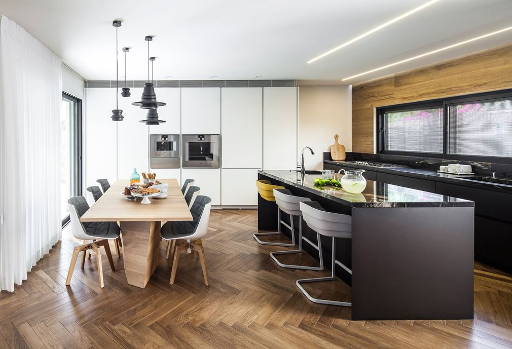 Family designed B house in Ramat HaSharon by Tal Goldsmith Fish Design Studio-02