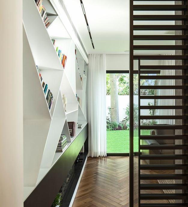 Family designed B house in Ramat HaSharon by Tal Goldsmith Fish Design Studio-09