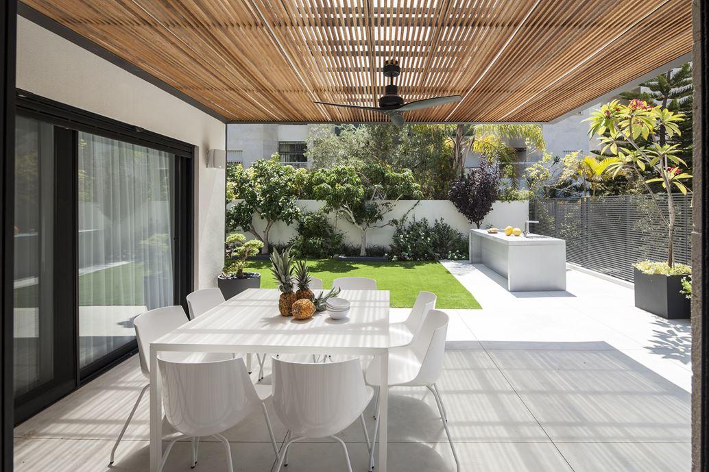 Family designed B house in Ramat HaSharon by Tal Goldsmith Fish Design Studio-17