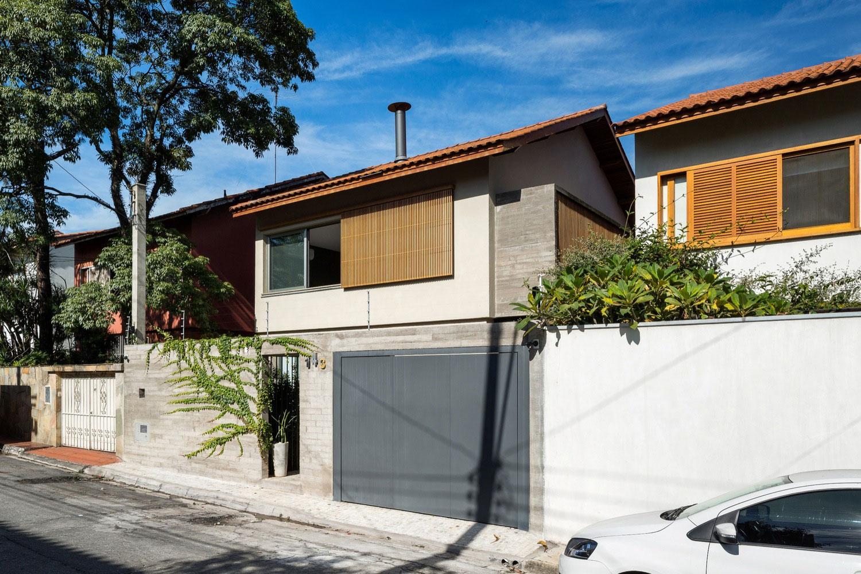 Free an fluid space of Sagarana house from São Paulo by Rocco Arquitetos-01