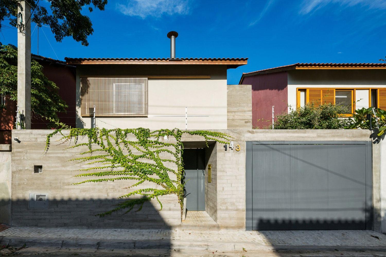 Free an fluid space of Sagarana house from São Paulo by Rocco Arquitetos-03