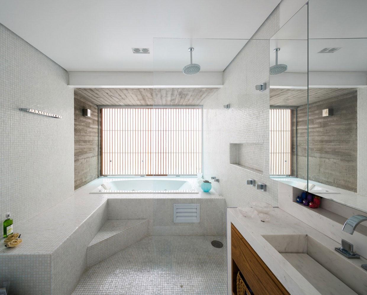 Free an fluid space of Sagarana house from São Paulo by Rocco Arquitetos-10