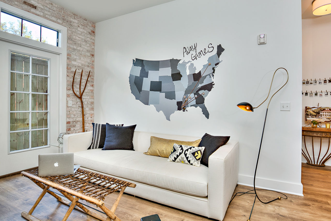 Fresh College Campus Loft at Baton Rouge by Kenneth Brown Design-05
